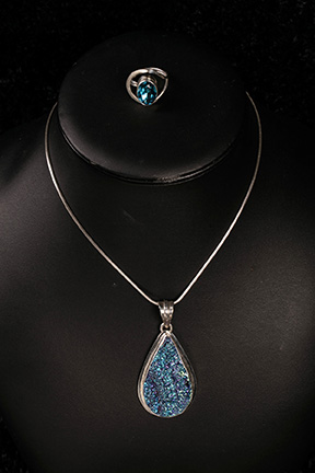 blue_tone_druzy_pendant_and_ring-web.jpg