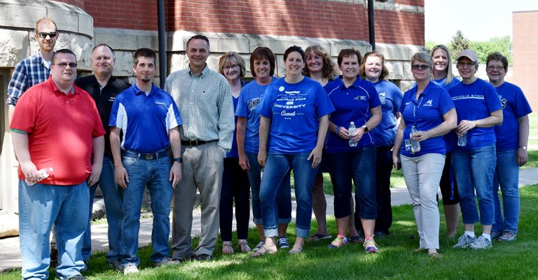 Mayville State Staff Senate organizes campus clean up event